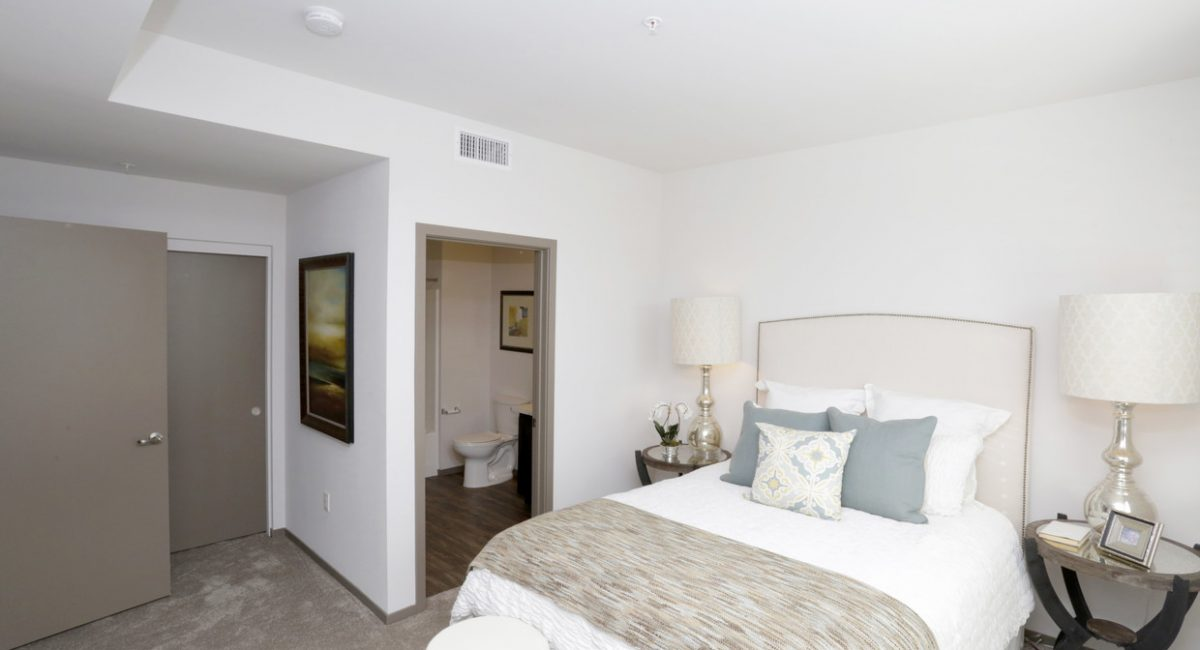 thirty-three-north-north-hills-ca-2br-2ba---1002-sf (9)